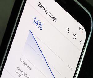 3 أسباب شائعة لنفاد بطارية الهاتف بسرعة وكيفية التغل...