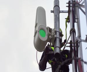 جوجل تستخدم الأشعة الضوئية لتوصيل الإنترنت في أفريقيا