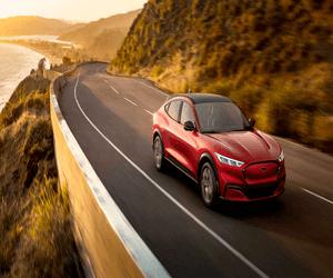 Ford تخطط لتطوير إصدارها الخاص من البطاريات المخصصة ...