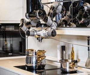 روبوت المطبخ الذكي يأتي بسعر خيالي