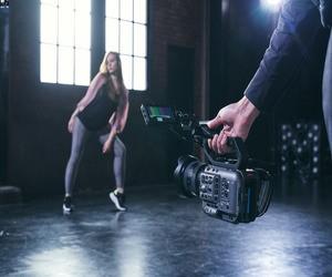 كاميرا سوني FX6 تنضم إلى قائمة الكاميرات المُعتمدة ل...