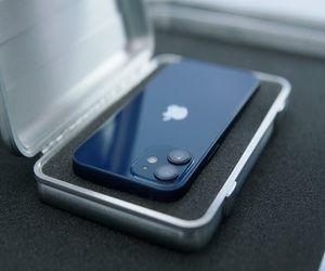 مبيعات iPhone 12 قوية، لكن iPhone 12 mini قد خيب آما...