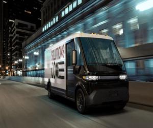 GM تكشف عن شاحنات توصيل كهربائية تدعم قطع مسافة 250 ...