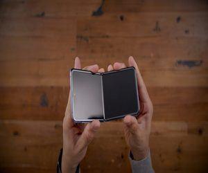 آبل تعمل على تطوير نماذج iPhone أوليّة قابلة للطي