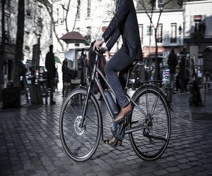 بيجو تطلق دراجتها الكهربائية Peugeot eC01