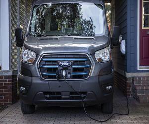 بايدن يريد استبدال الأسطول الحكومي بالسيارات الكهربائية