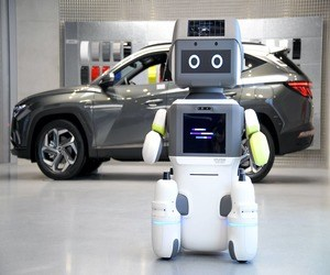 هيونداي تقدم روبوت خدمة العملاء عبر صالاتها للعرض
