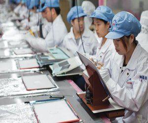 شركة Apple تضاعف إنتاج أبرز أجهزتها خارج الصين ❗  حس...