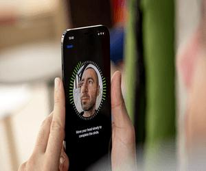 تحديث iOS 14.5 يدعم مسح الوجه أثناء إرتداء القناع شر...