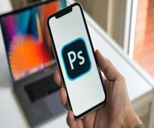 ما هي تطبيقات أدوبي فوتوشوب للهواتف؟ وما الفرق بينها؟