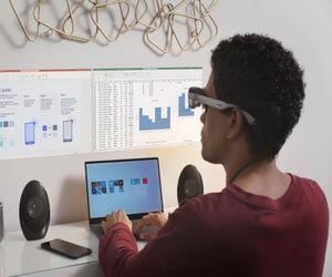 XR1 AR Smart Viewer يتيح لك تثبيت الشاشات الافتراضية...