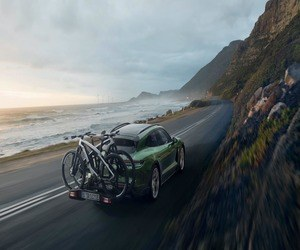 بورش تكشف عن دراجات كهربائية باهظة الثمن