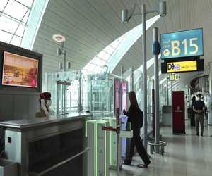 مطار دبي يستخدم عيون المسافرين بدلًا من جوازات السفر