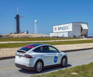 SpaceX تريد ربط شبكة إنترنت Starlink بالمركبات المتحركة