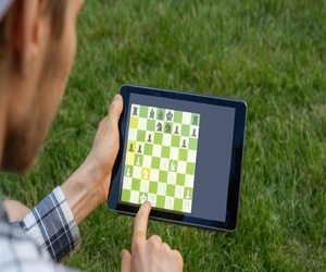 5 طرق تتيح لك تعلم لعبة الشطرنج عبر الإنترنت مجانًا