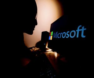 10 مجموعات قرصنة تستغل عيبًا في برنامج مايكروسوفت