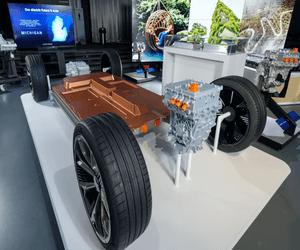 شركة جنرال موتورز تعقد شراكة جديدة لتطوير سيارة كهرب...