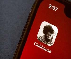 Clubhouse يعلن عن برنامج جديد لمساعدة المبدعين