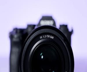 سوني تعلن رسمياً عن عدسات GM بقياس 50 مم وفتحة عدسات...