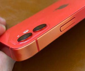 تلاشي طلاء الآي-فون 12 مشكلة جديدة تؤرق مستخدميه