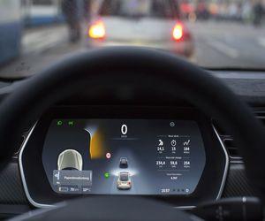 الجيش الصيني يصدر قرار بمنع سيارات #Tesla  الكهربائي...