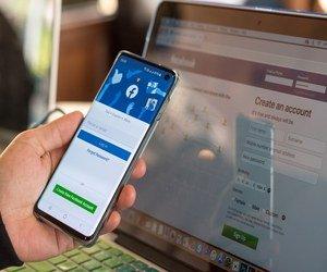 منافس Clubhouse من فيسبوك قد يكون Messenger Rooms