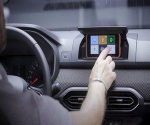 داسيا تحول هاتفك إلى شاشة عرض معلومات وترفيه