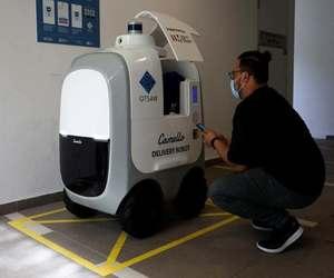 روبوت Camello يوصل الطلبات للمنازل في سنغافورة