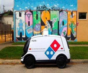 روبوت Nuro الذاتي القيادة يسلم طلبات دومينوز بيتزا