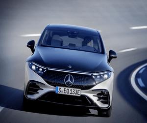 مرسيدس بنز تستعرض سيارتها الكهربائية الفاخرة 2022 EQS