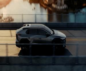 Toyota تكشف عن نموذج سيارة BZ4X وتستعرض إستراتيجية ا...