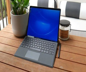 Latitude 7320 القابل للفصل من دل ينافس Surface Pro
