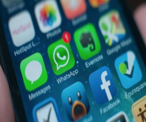 تطبيق WhatsApp قد يتيح لك إرسال الملاحظات الصوتية من دون ...