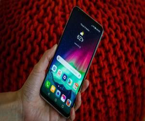 مراجعة هاتف LG V30