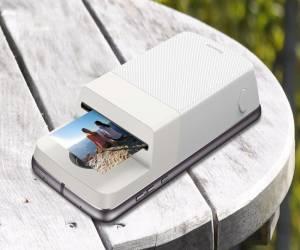 Polaroid وموتورولا تكشفان عن الملحق Insta-Share Printer ل...
