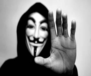 تحقيق في تسلل أنونيموس للبريد الإلكتروني لموظفين حكوميين ...
