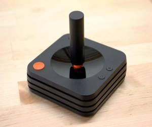 """أداة التحكم التقليدية """"للغاية"""" تعود لجهاز Ataribox!"""