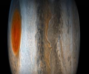 استكشف المشتري والبقعة الحمراء العظيمة مع فيديو ناسا الجديد