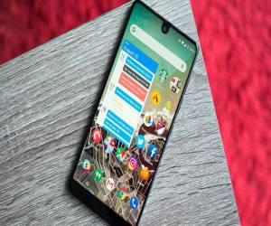 مبيعات هاتف Essential تصل إلى 50 الف وحدة