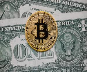 كابوس الحكومات والبنوك (1) … ما هو بيتكوين؟ وكيف ولماذا ظ...