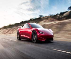 تسلا تقدم سيارة Roadster كهربائية جديدة بمدى 620 ميل