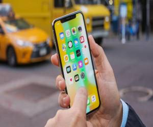 iPhone X تنضم لقائمة أفضل 25 اختراع بالعام 2017