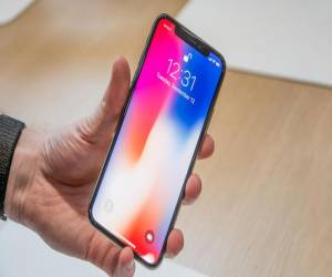 آبل تخفض الأوقات المقدرة لتسليم iPhone X إلى 2-3 أسابيع