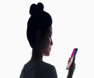 طفل في العاشره من عمره يتمكن خداع Face ID الخاص بـ iPhone X