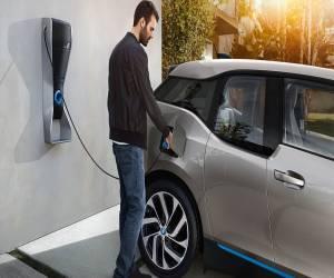 BMW تستثمر 240$ مليون لإنشاء بطاريات تمتاز بكفاءة أكبر من...