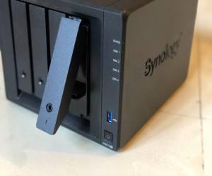 """مراجعة سيرفر التخزين الشبكي DS918+ من """"سينولوجي"""""""