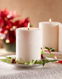 Christmas Pillar Candle - Cinnamon