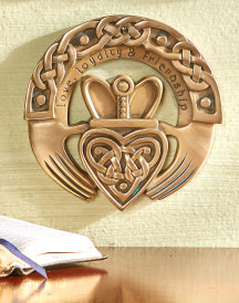 Claddagh Circle Brass Resin Plaque
