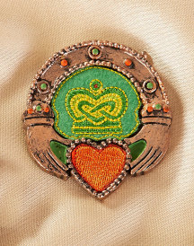 Claddagh Ring embroidered magnet