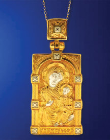 Madonna and Child Gold Pendant